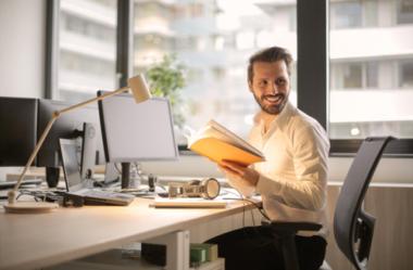 Profissionais de Marketing: Como Organizar seu Ambiente de Trabalho e Aumentar a Produtividade